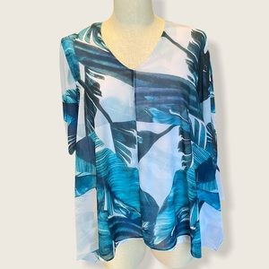 Staples Medium flowing Print top w/attached cami
